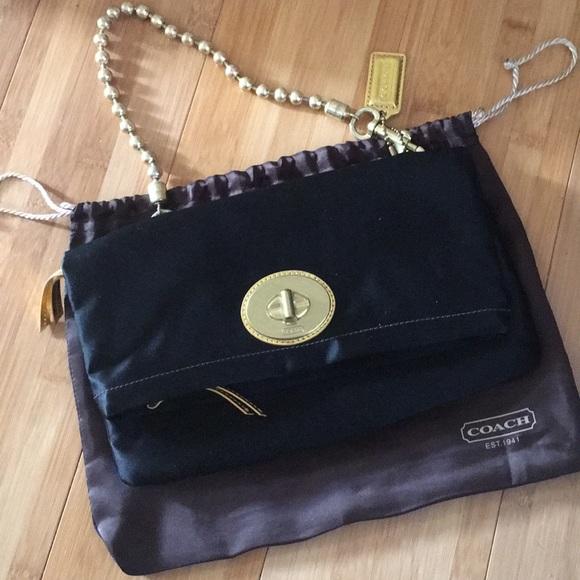 0fc7764e06 Coach Handbags - Authentic Coach Clutch Bag